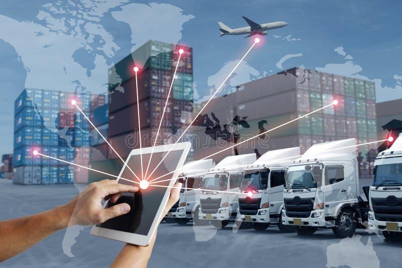 Technologie direct met logistiekvervoer met AI mensen en wereldwijd royalty-vrije stock afbeeldingen