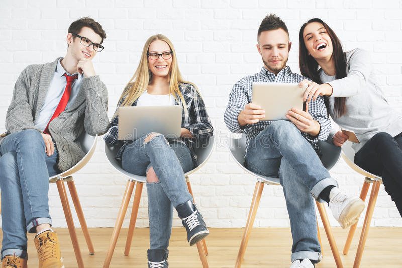 Technologie, groepswerk en mededeling stock foto's