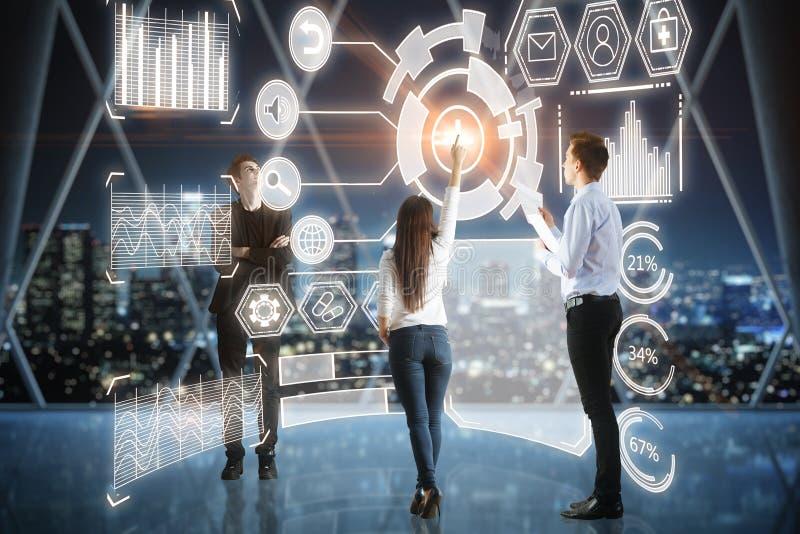 Technologie, media en innovatieconcept stock afbeeldingen