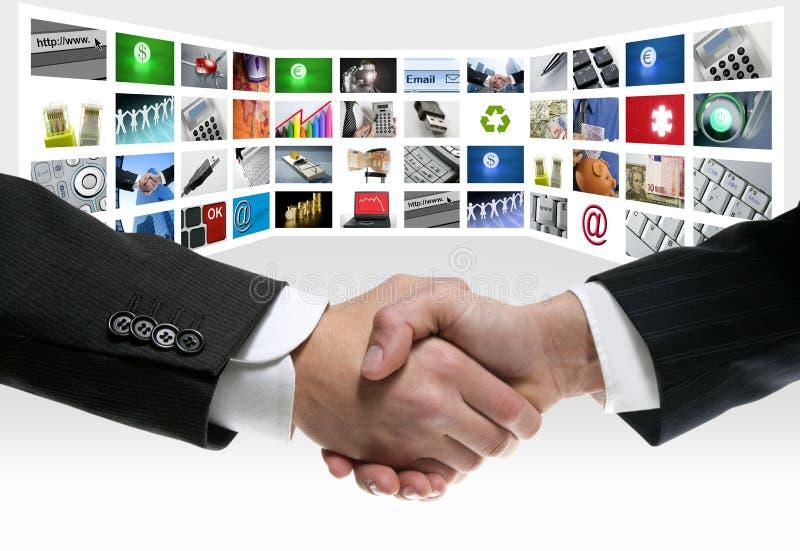 Technologie- TV video communicatie het schermhanddruk royalty-vrije stock afbeelding