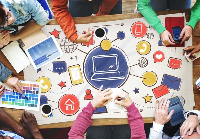 Technologie-Verbindungs-Medien-Leute-Grafik-Konzept stockbild