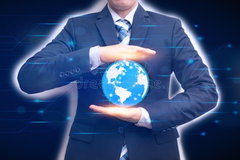 Technologien, die das Wort mit dem Geschäftsmann hält Stelle anschließen lizenzfreie stockbilder