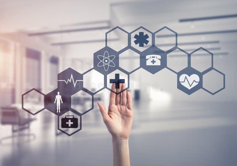 Technologies innovatrices pour la science et la médecine en service par femal photographie stock