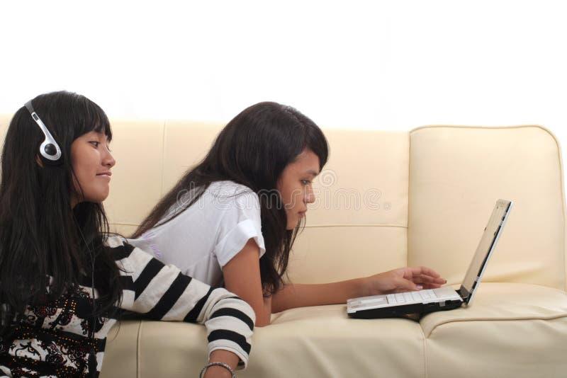 technologii kobiety potomstwa zdjęcia royalty free