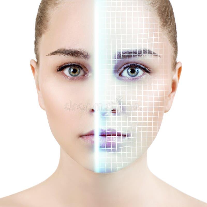 Technologisch aftasten van gezicht van jonge vrouw royalty-vrije stock foto's
