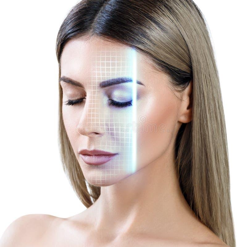 Technologisch aftasten van vrouwengezicht stock foto