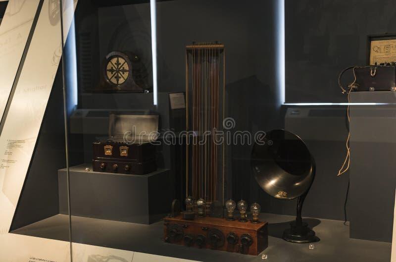 Technologisch Technisch die Museum na Leonardo Da Vinci Department, expositie wordt genoemd van de ontwikkeling van mededeling en stock afbeeldingen