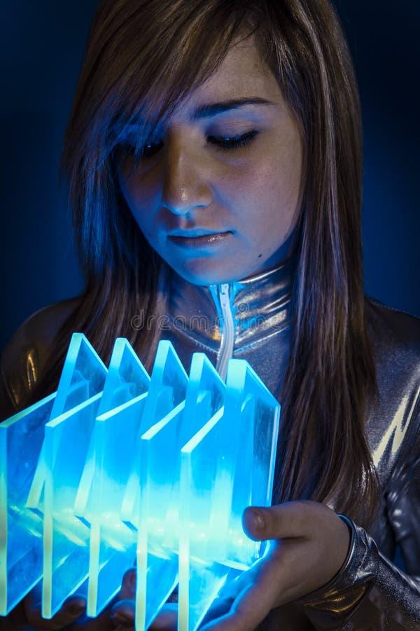 Technology.Fiber Optisch concept, vrouw met moderne lichten stock afbeeldingen