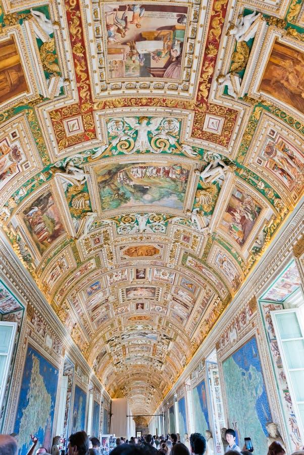 Techo de la galería en el museo del Vaticano en la Ciudad del Vaticano, Roma, fotos de archivo