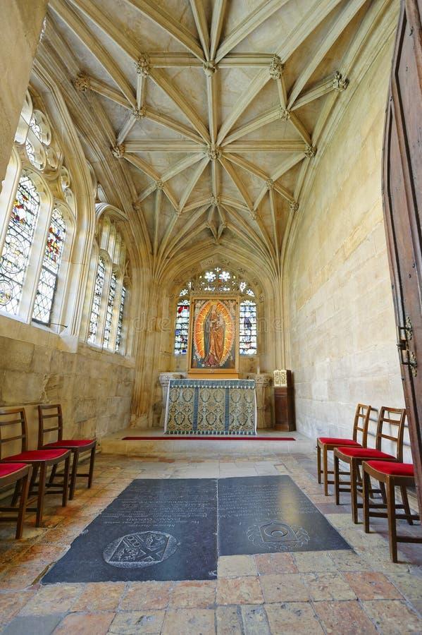 Techo y virgen góticos Reyes College Chapel fotos de archivo