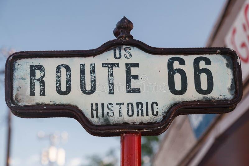 Tecken av historiska Route 66 royaltyfria bilder