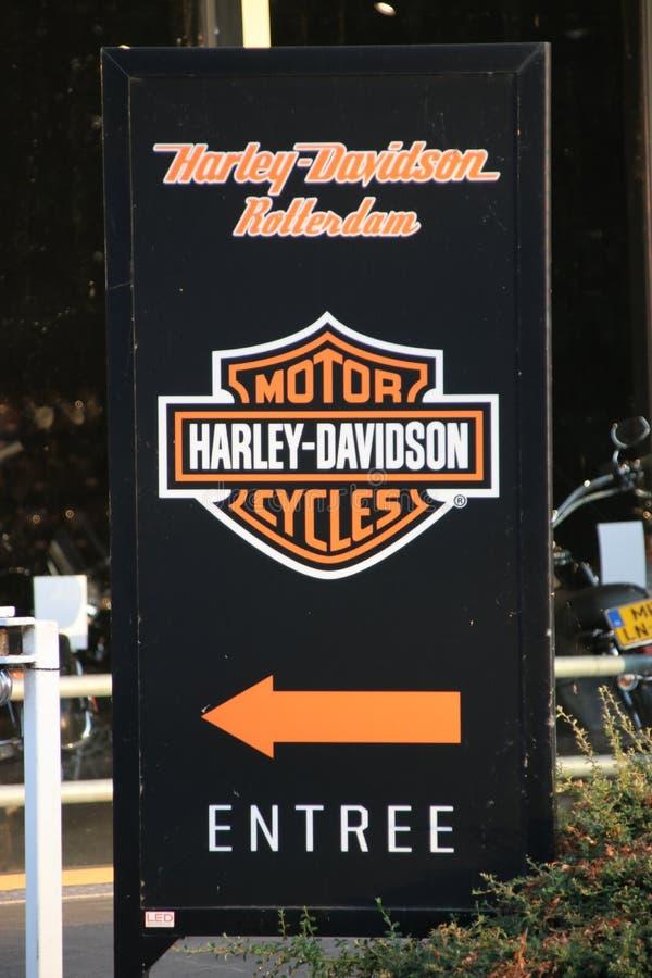 Tecken av ingången av den Harley Davidson återförsäljaren i Rotterdam Nederländerna fotografering för bildbyråer
