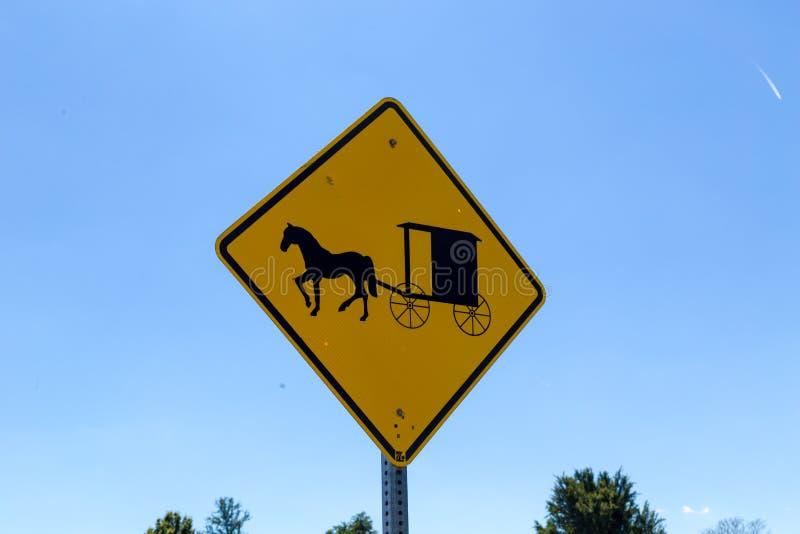Tecken för Amish barnvagnfara royaltyfria foton