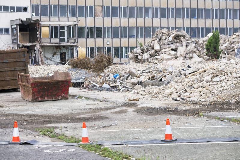 Tecken för fara för fara för kollaps för rivningplats byggande arkivfoto