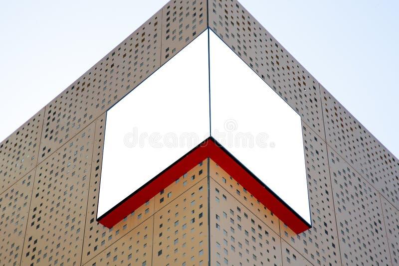 Tecken för modell för lager för skylt för utomhus- signage för mellanrumsnärlivs vitt fotografering för bildbyråer