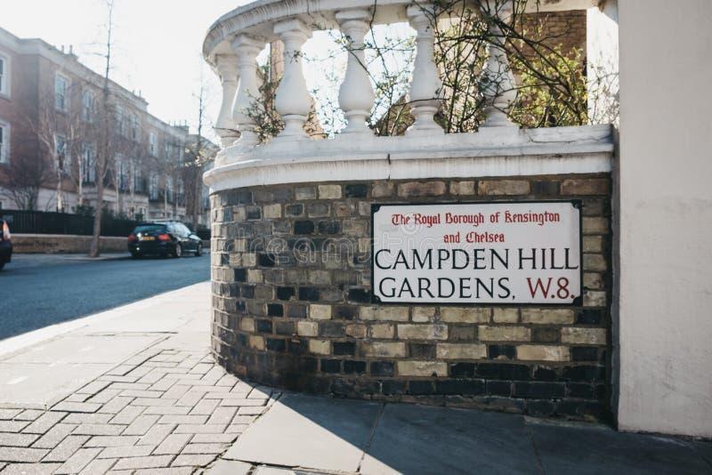 Tecken för namn för gata för Campden kulleträdgårdar, Kensington och Chelsea, London, UK arkivbilder