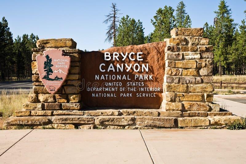 tecken för nationalpark för brycekanjoningång arkivbild