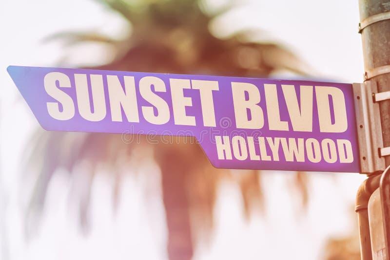 Tecken för solnedgångBlvdHollywood gata royaltyfria bilder