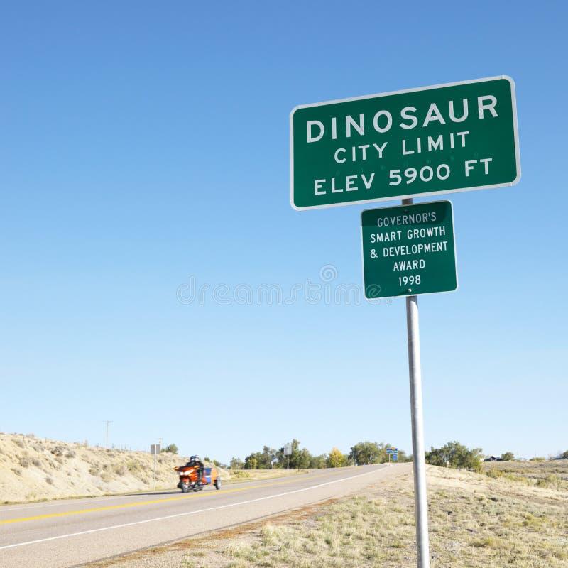 tecken för stadsco-dinosaur royaltyfria foton
