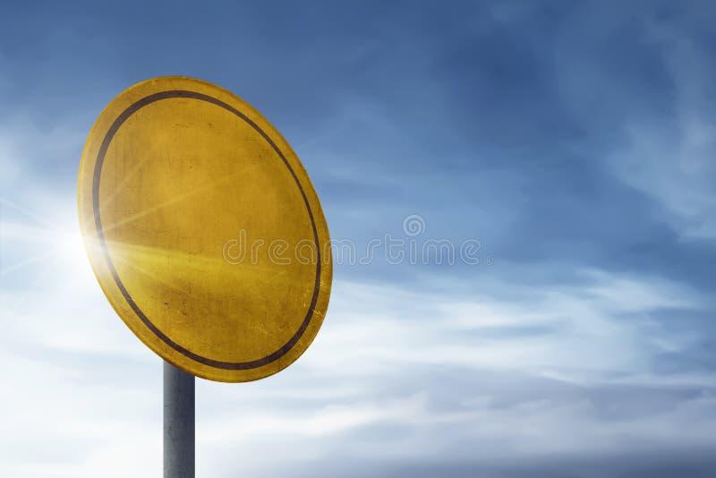 Tecken för trafik för cirkelmellanrumsbräde royaltyfri foto