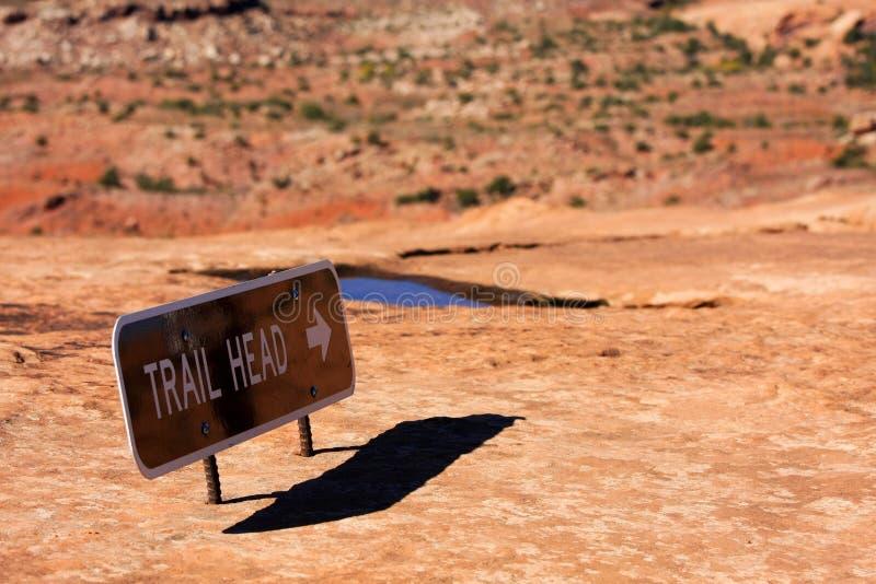 Tecken för Trailhuvud royaltyfri fotografi
