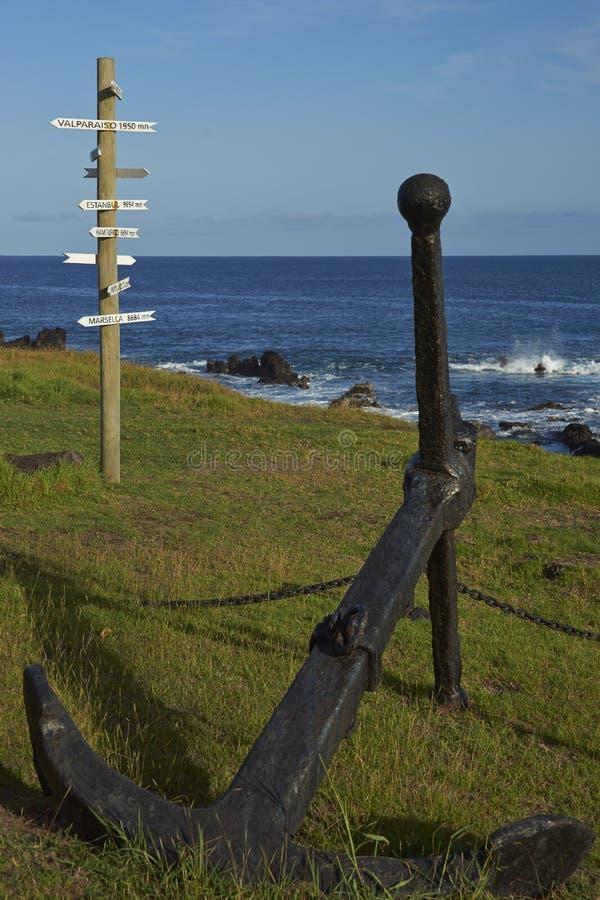 Teckenstolpe på påskön, Chile arkivfoto