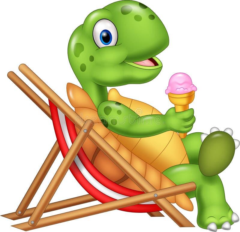 Tecknad filmsköldpaddasammanträde på strandstol och innehav en glass stock illustrationer