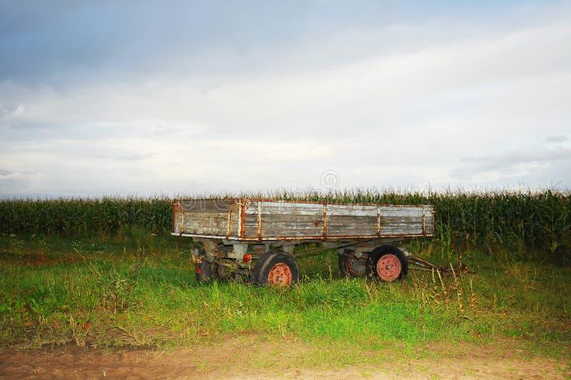 tecknat traktorsläp royaltyfria bilder