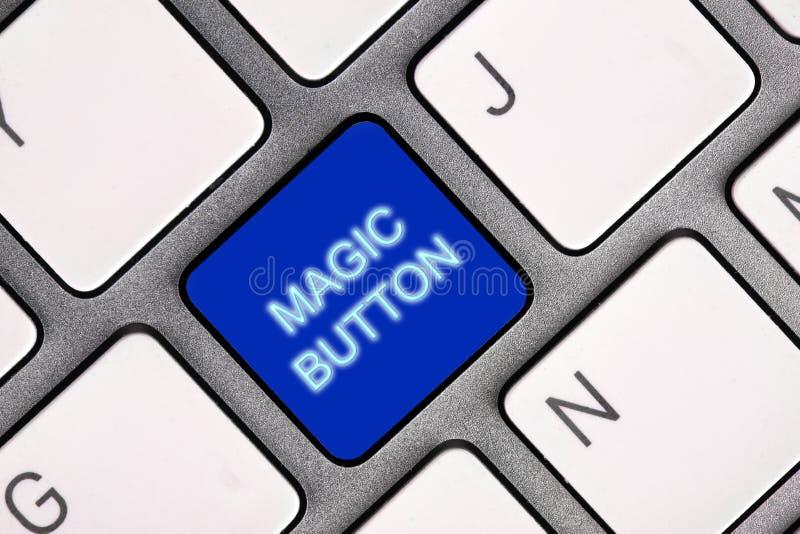 Tecla m?gica no teclado de computador foto de stock royalty free