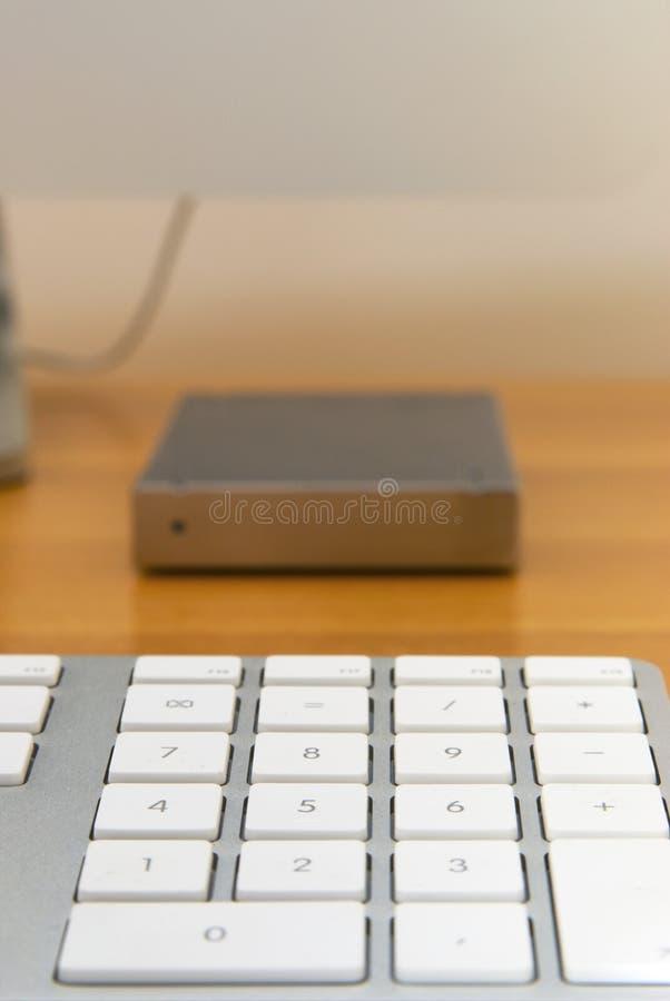 Teclado com chaves brancas e movimentação dura fotos de stock royalty free