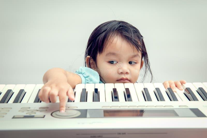 Teclado musical imagem de stock