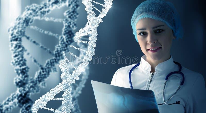 Tecnólogo de la ciencia de la mujer en laboratorio imagenes de archivo