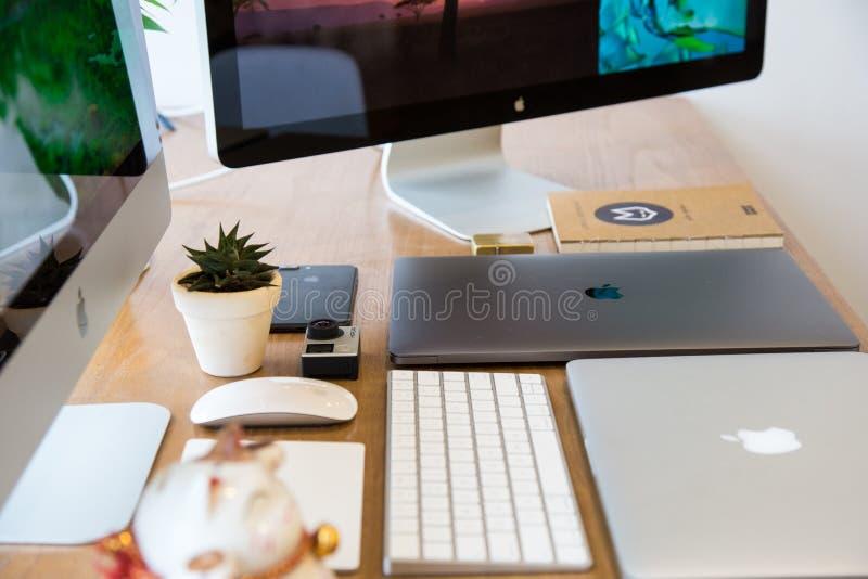 Tecnología De Apple En La Mesa Dominio Público Y Gratuito Cc0 Imagen