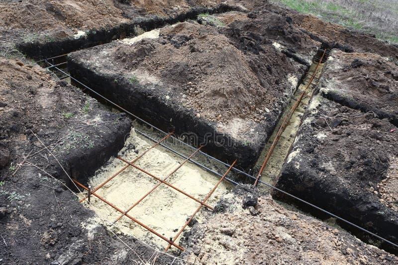 Tecnología de tramos de excavación bajo diversión baja de la pila y de la cinta imágenes de archivo libres de regalías