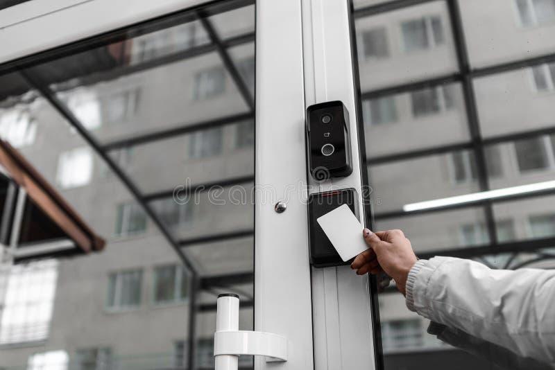 Tecnologías de seguridad, sistemas de seguridad, llaves electrónicas, sensores de movimiento foto de archivo