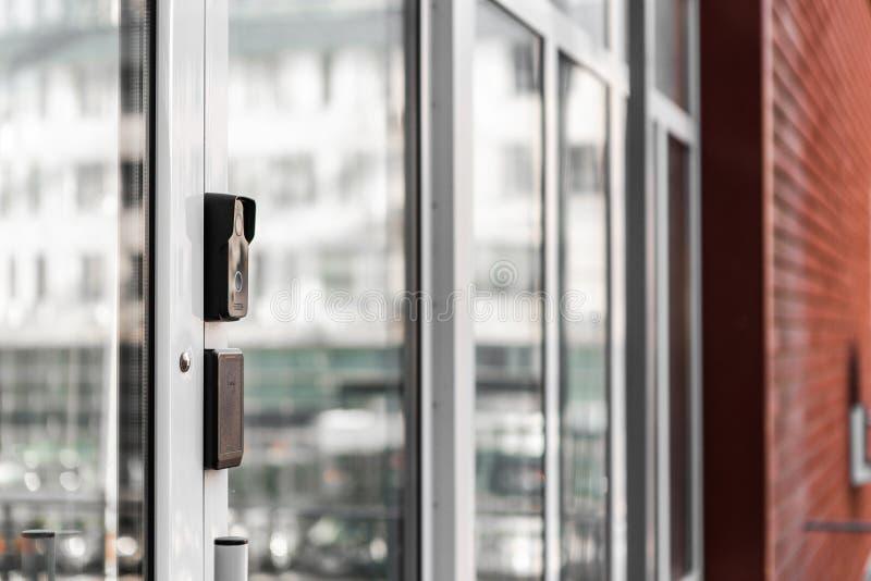 Tecnologías de seguridad, sistemas de seguridad, llaves electrónicas, sensores de movimiento foto de archivo libre de regalías