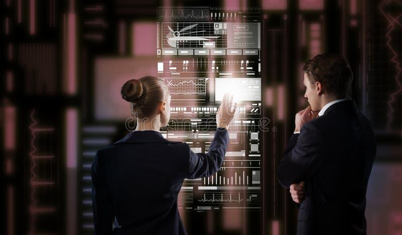 Tecnologías modernas funcionando imagen de archivo libre de regalías