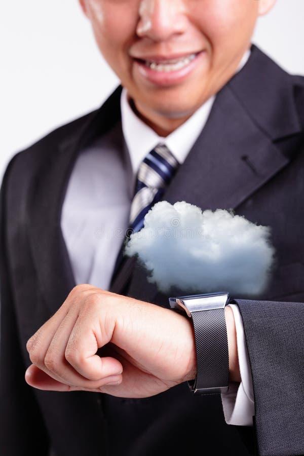 Tecnologia de computação da nuvem com relógio esperto imagem de stock