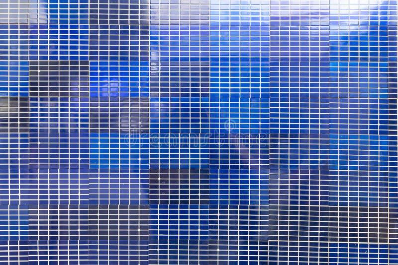 Tecnologia de produção energética solar, energia alternativa verde e close up fundo-solar do painel do conceito do negócio imagens de stock