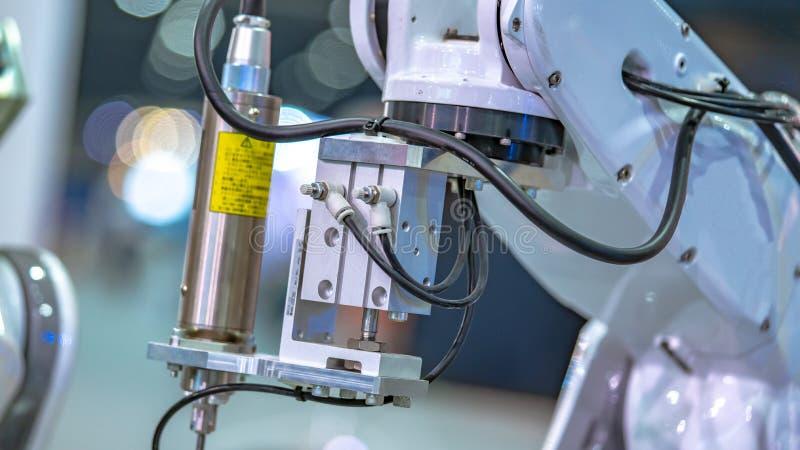 Tecnologia del meccanismo della mano del robot industriale fotografie stock