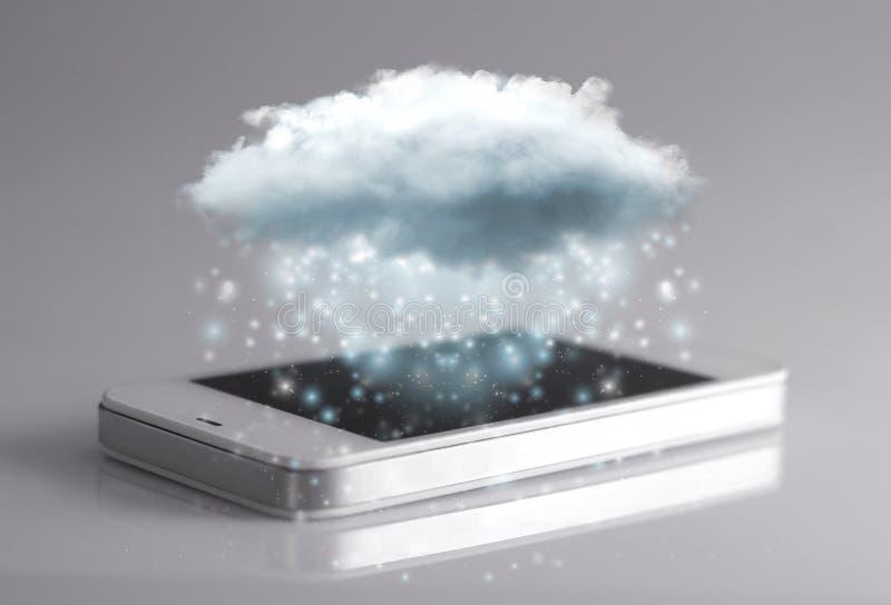Tecnologia di computazione della nuvola con lo smartphone fotografia stock