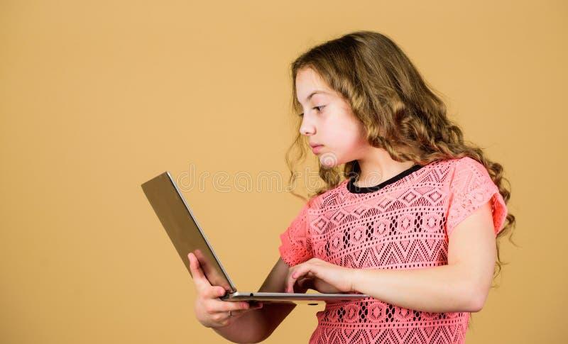 Tecnologia digitale Internet praticante il surfing Sviluppi il proprio blog Blog personale Reti sociali e blog Fonte di informazi fotografia stock libera da diritti