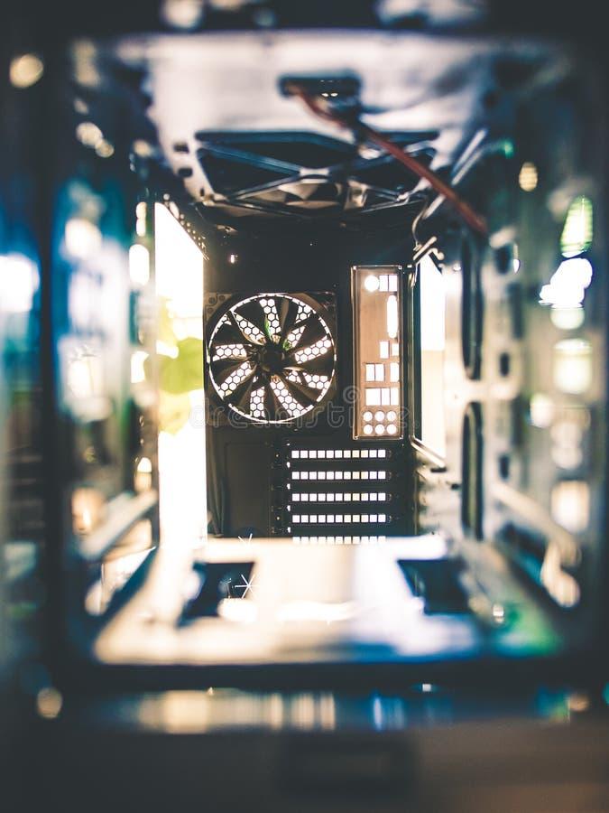 Tecnologia impressionante eletrônica dentro de um PC foto de stock royalty free