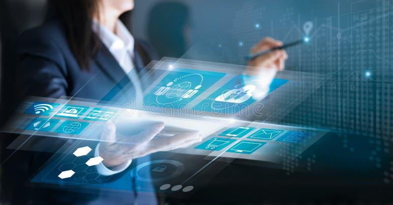 Tecnologia inovativa e conceito da rede do negócio fotografia de stock