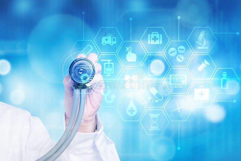 Tecnologia medica futura del telefono cellulare olografico fotografie stock libere da diritti
