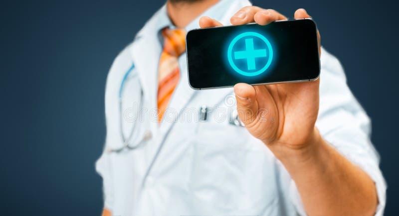 Tecnologia nel concetto della medicina e di salute Il dottore With Smartphone With App medico immagini stock libere da diritti