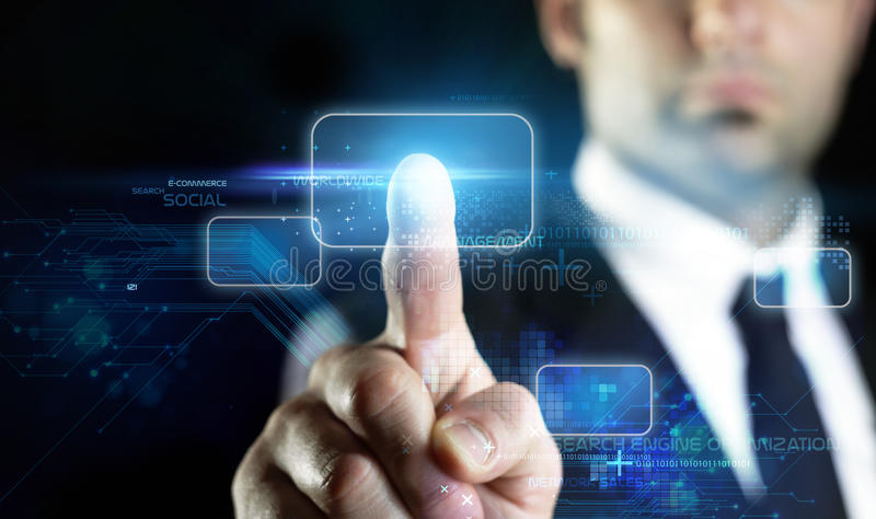Tecnologia virtuale all'introduzione sul mercato online fotografia stock libera da diritti