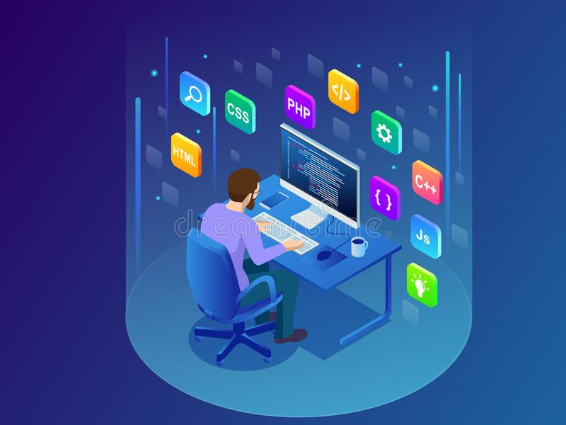 Tecnologie di programmazione e di codifica di sviluppo isometriche Giovane programmatore che codifica un nuovo progetto facendo u royalty illustrazione gratis