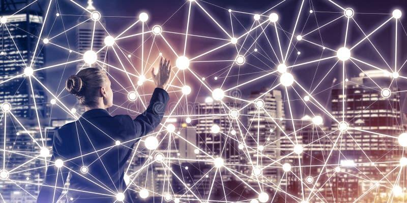 Tecnologie wireless e rete moderne come strumento per effectiv illustrazione vettoriale