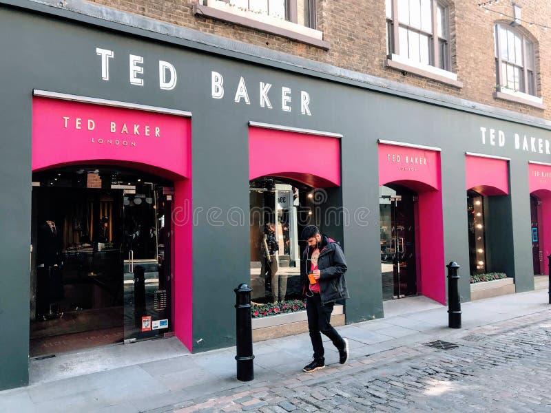 TED BAGARElager, London fotografering för bildbyråer